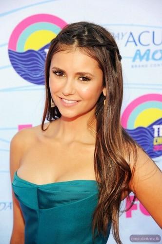 Nina at Teen Choice Awards 2012