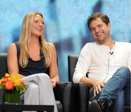 фото from лиса, фокс 2012 Summer TCA - Fringe cast