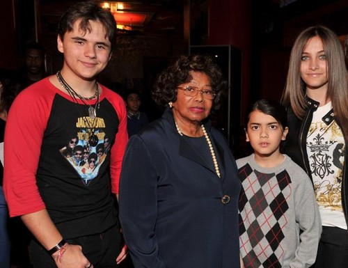 Prince, Katherine, Blanket and Paris ♥