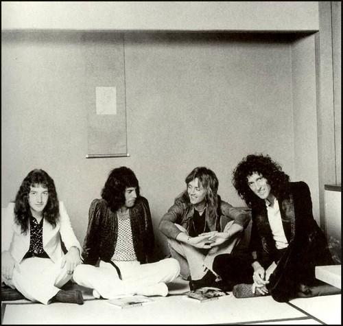 Queen 1975 in Nhật Bản