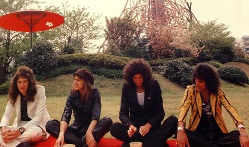 Queen 1975 in Япония