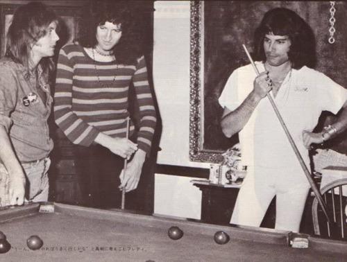 퀸 at Ridge Farm in 1975