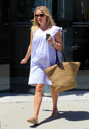 Reese Witherspoon Leave a Spa in LA [July 20, 2012]