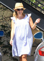 Reese Witherspoon at a Nail Salon [July 20, 2012] - reese-witherspoon photo