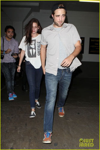 Robert&Kristen - - Spending the evening at The Hotel Cafe - July 19, 2012 - robert-pattinson-and-kristen-stewart Photo