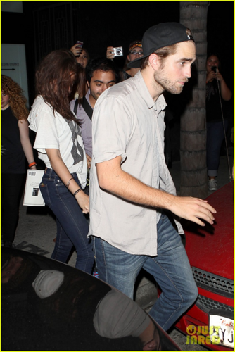 Robert&Kristen - Spending the evening at The Hotel Cafe - July 19, 2012  - robert-pattinson-and-kristen-stewart Photo