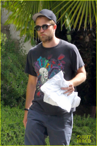 Robert - Leaves Paramount Studios - July 18, 2012