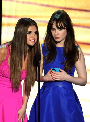 Selena - 2012 Teen Choice Awards - July 22, 2012
