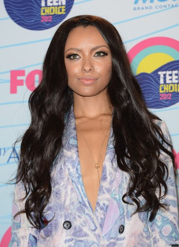 Katerina Graham 壁纸 possibly containing a 浴衣 and a portrait called TCA 2012