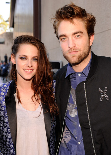 TCA 2012 - robert-pattinson-and-kristen-stewart Photo