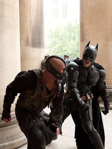 Tom Hardy wallpaper containing a green beret, a rifleman, and a navy seal called TDKR Batman v Bane