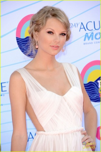 Taylor Swift:Teen Choice Awards 2012