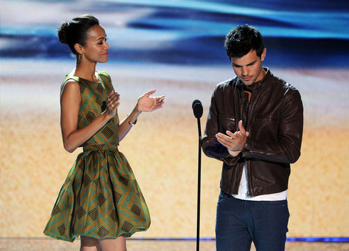 Taylor - Teen Choice Awards 2012 - Zeigen