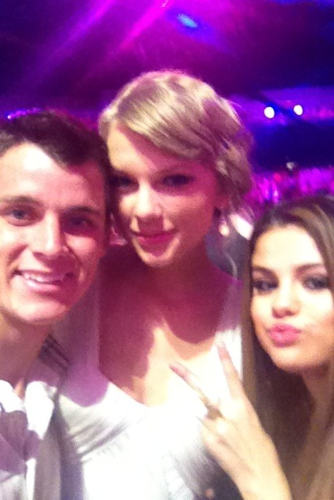 Taylor at the 2012 Teen Choice Awards - taylor-swift Photo