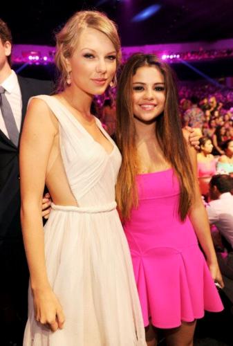 Taylor at the 2012 Teen Choice Awards