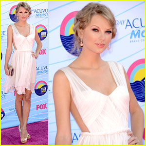 Teen Choice---5 awards to Tay!!!!