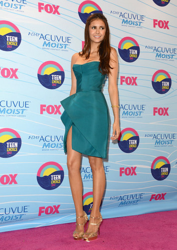 Teen Choice Awards 2012 - nina-dobrev Photo