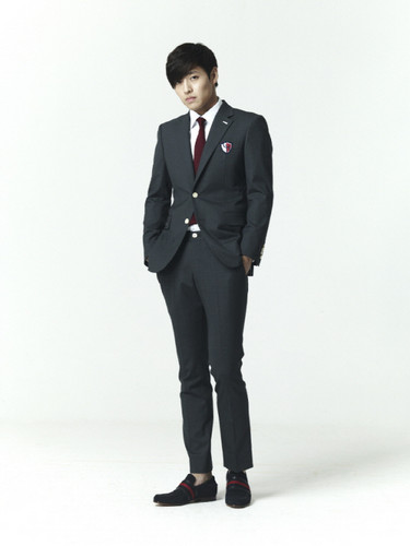 To The Beautiful You wallpaper with a business suit, a suit, and a well dressed person called To The Beautiful You cast in uniform