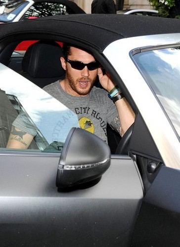Tom Hardy at the BBC Studios - tom-hardy Photo
