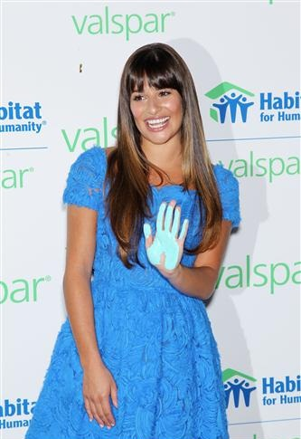 Valspar Hands For Habitat Unveiling Hosted oleh Lea Michele - July 20, 2012