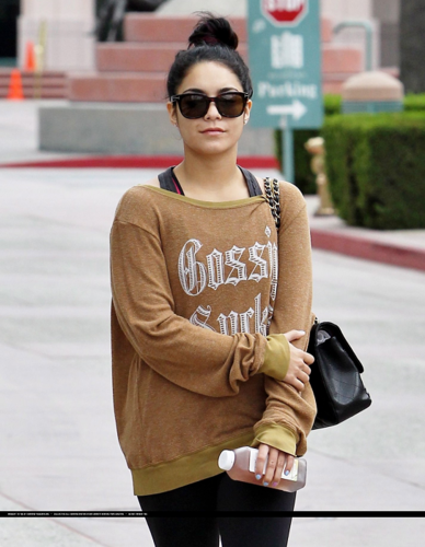 Vanessa - Leaving the gym in LA - July 16, 2012