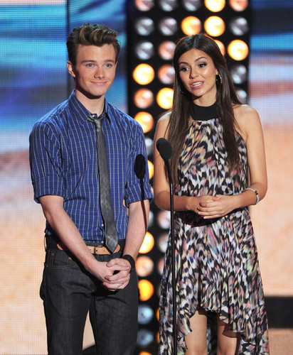 Victoria Justice at the Teen Choice Awards 2012 - Show