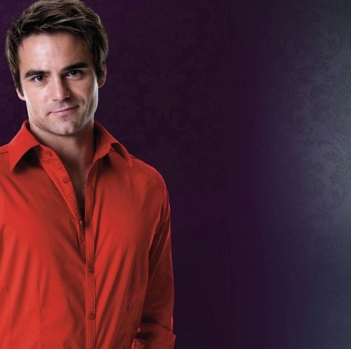 Dustin Clare wallpaper probably containing a concert called dustin clare