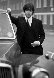Paul McCartney wallpaper with a business suit entitled i love macca!!!
