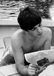 Paul McCartney wallpaper containing a hot tub called i love macca!!!