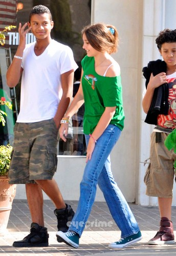 jaafar jackson and his cousin paris jackson out in town