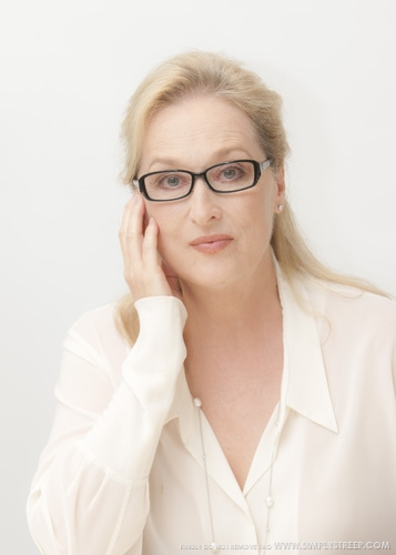 Meryl Streep wallpaper containing a portrait entitled meryl