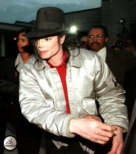 michael in silver chaqueta