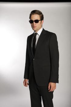 'Cosmopolis' Exclusive Promo Pics: Rob 《金装律师》 Up In Gucci!
