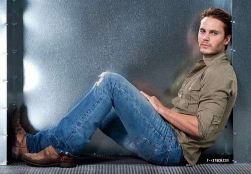 Taylor Kitsch wallpaper possibly with a pantleg and long trousers entitled ♥♥ Taylor Kitsch ♥♥
