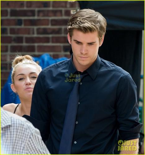 31/07 On The Set Of Liam's Movie 'Paranoia' In Philadelphia, PA
