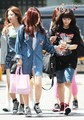 A PINK On The Way to Music Bank