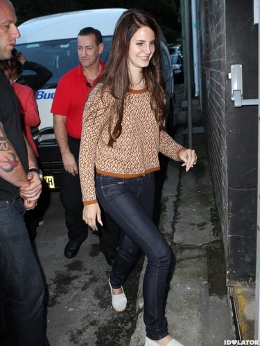 Arriving at Enmore Theatre (July 26)