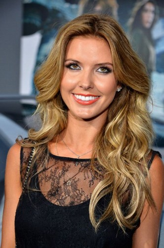 Audrina Patridge fond d'écran with a portrait called Audrina @ 'Total Recall' premiere in Hollywood