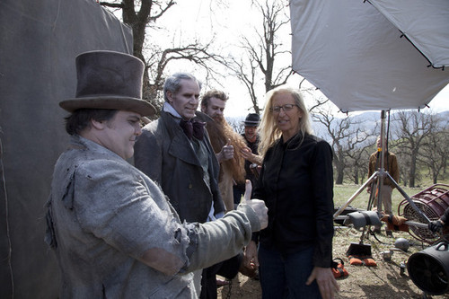 Behind The Scenes fotos por Annie Leibovitz For disney Parks Campaign [March 5, 2012]