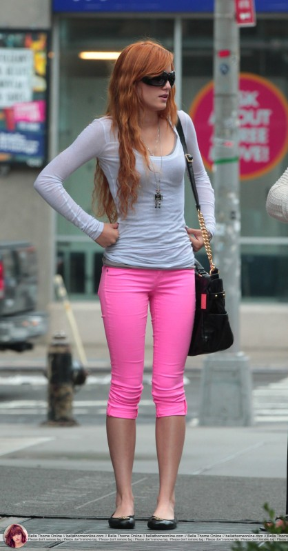 Bella Thorne, out n' about in New York City, 2 august 2012, outfit 2