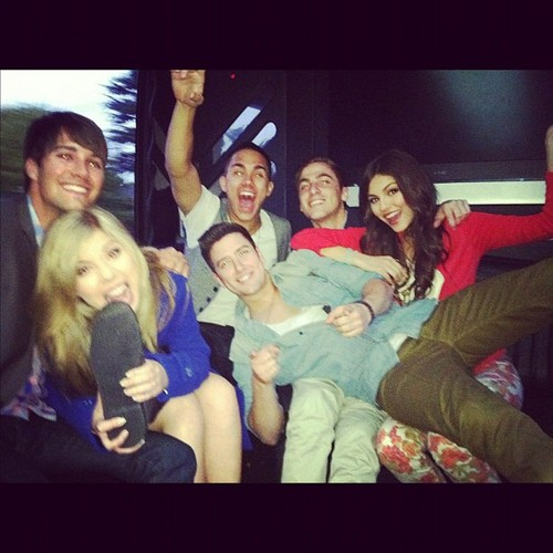 Big Time Rush, Jennette McCurdy & Victoria Justice