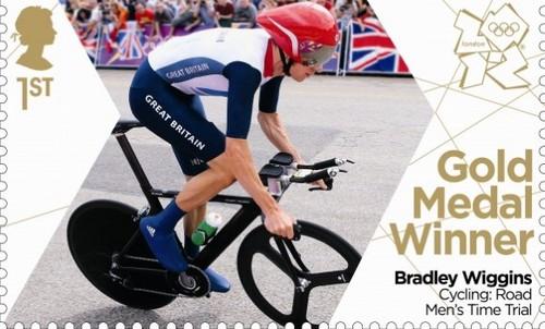 Bradley Wiggins wins goud in the wielersport, fietsen road race time trial.