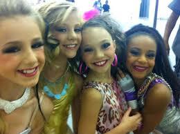 Chloe, Paige, Maddie, and Nia- Музыка video