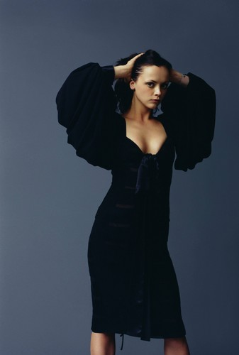 Christina Ricci karatasi la kupamba ukuta probably containing a well dressed person entitled Christina Ricci