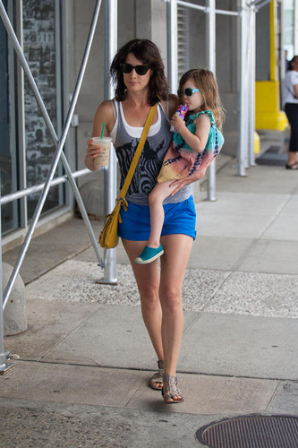 Cobie and her daughter Shaelyn
