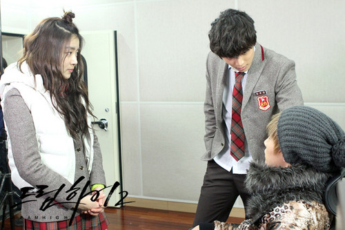 Dream High 2 fond d'écran containing a business suit titled Dream High 2