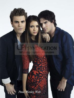 EW Comic Con 2012 - ian-somerhalder-and-nina-dobrev Photo