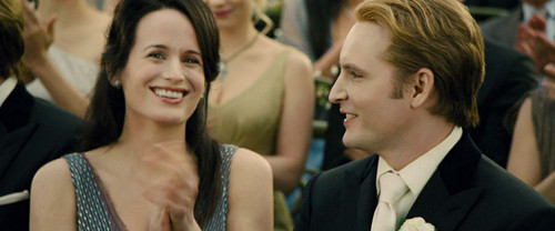 Esme Cullen wallpaper with a business suit entitled Esme Cullen and Carlisle