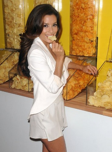 Eva Longoria wallpaper probably containing a barbecue, a tamale, and a brunch called Eva at Lay's 'Do Us A Flavor' Contest Launch at Times Square