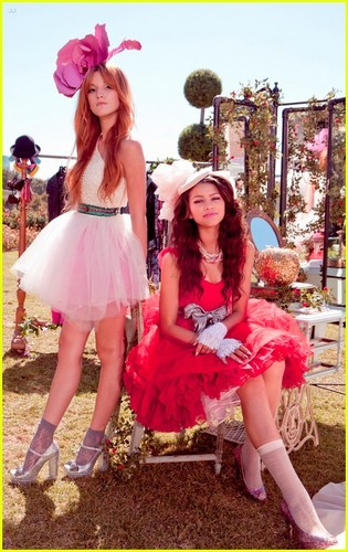 Shake It Up wallpaper probably with a parasol, a bouquet, and a frock called Fasion is my Kryptonite, Video Stills